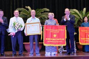 Phong tặng danh hiệu cao quý của lực lượng vũ trang