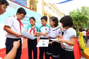 Tặng gạch không nung xây công trình nhà ăn cho học sinh Đồng Nai