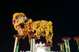 Lân Huế khai hội Trung Thu