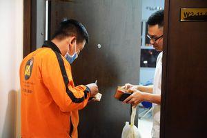 Nghề xuyên đêm ở Sài Thành: 'Shipper' thức ăn kể chuyện bị xù đơn hàng bạc triệu