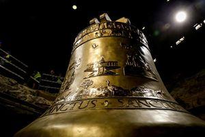 Chuông nhà thờ nặng 55 tấn ra mắt ở Ba Lan