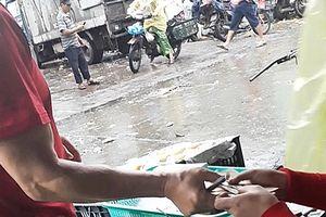 Chủ tịch Nguyễn Đức Chung chỉ đạo làm rõ việc bảo kê kinh hoàng ở chợ Long Biên