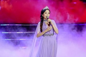Hoa hậu Thiên Nga: Duyên dáng được tạo bởi thông minh, bản lĩnh sống