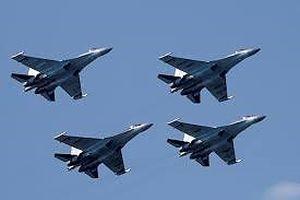 Mỹ phạt nặng Trung Quốc vì đã mua máy bay, tên lửa Nga