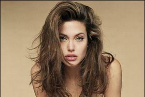 Angelina Jolie giữ gìn nhan sắc tường thành Hollywood bằng...trứng cá tầm