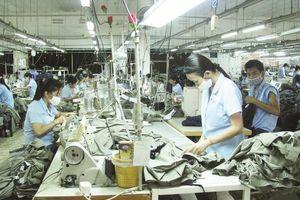 Ngành dệt may thêm cơ hội từ cuộc chiến thương mại Mỹ - Trung