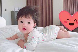 'Tan chảy' khi Hoa hậu Đặng Thu Thảo lần đầu tiên khoe cận mặt con gái cưng
