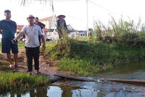 Thanh Hóa: Gia đình đưa bé trai đuối nước đến trụ sở phường truy cứu trách nhiệm