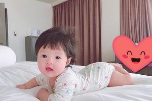 Hoa hậu Đặng Thu Thảo lần đầu khoe ảnh con gái bụ bẫm cực đáng yêu