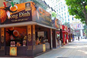 Hình ảnh đìu hiu của các cửa hàng bánh Trung thu tại Hà Nội