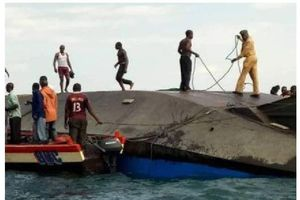 Thảm họa chìm phà ở Tanzania, ít nhất 44 người chết