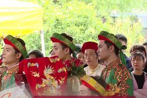 Nhà thờ của Hoài Linh nô nức ngày giỗ Tổ sân khấu