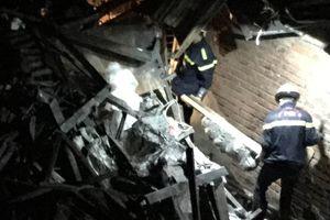 2 thi thể người lớn trong hiện trường vụ cháy ở Đê La Thành