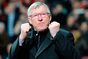 Sir Alex Ferguson trở lại Old Trafford sau cơn bạo bệnh