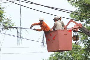 Hạ ngầm đường dây điện lực, cáp viễn thông: Chậm vì sao?