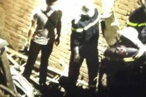 Giữa đêm đưa thi thể vụ cháy ở Đê La Thành ra ngoài
