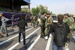Xả súng vào đoàn diễu binh tại Iran, ít nhất 24 người thiệt mạng