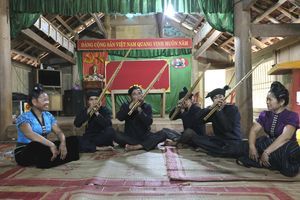 Giữ gìn làn điệu khèn bè của dân tộc Thái