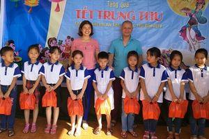 Báo PL&XH tặng hơn 500 suất quà Trung thu tại tỉnh Thái Bình