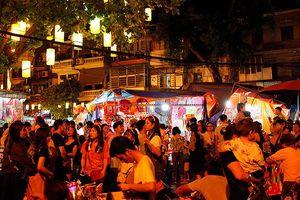 'Nghẹt thở' đi phố Trung thu lớn nhất Hà Thành