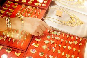 Giá vàng hôm nay 22/9: Giá vàng vừa lên đỉnh đã rơi xuống đáy