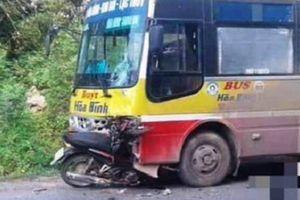 Xe máy đấu đầu xe buýt, nam thanh niên thiệt mạng