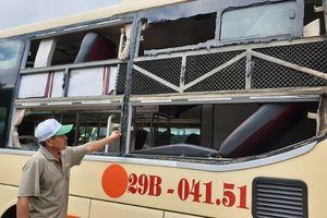 Quảng Bình: Côn đồ đổi chiến thuật phá xe du lịch