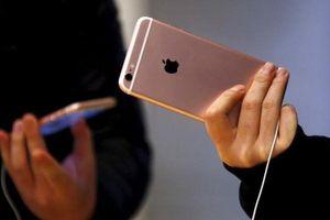 Hàng loạt iPhone đời cũ rớt giá ngay sau khi bộ 3 iPhone mới về VN