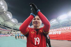 Báo quốc tế 've vãn' tiền vệ Quang Hải tới Nhật Bản thi đấu