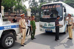 Bắt đầu tháng cao điểm xử lý xe khách, xe tải vi phạm giao thông