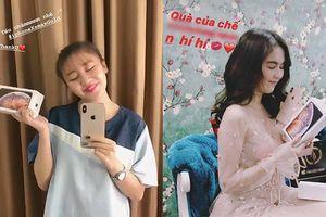 Loạt sao Việt không thể đợi iPhone Xs Max chính hãng, mua máy ngay trong ngày đầu tiên