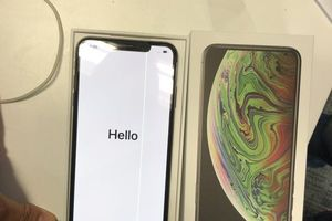 iPhone XS Max bị người dùng phản ánh vì lỗi màn hình