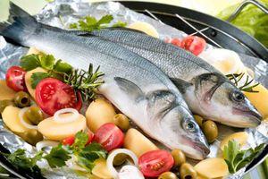 Ăn cá ba lần một tuần tăng cường thị lực cho thai nhi