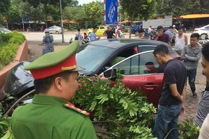 Vừa bị xử phạt 22,5 triệu đồng, lái xe Mazda 3 lại gây náo loạn