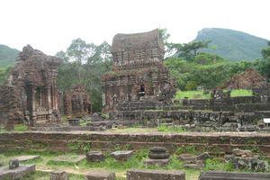 Ẩn số đền tháp Champa
