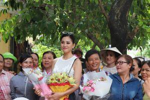 Hoa hậu Việt Nam Trần Tiểu Vy về thăm quê nhà TP Hội An