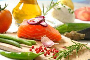 Phụ nữ tiêu thụ nhiều cá, dầu ô liu có thể giảm đột quỵ