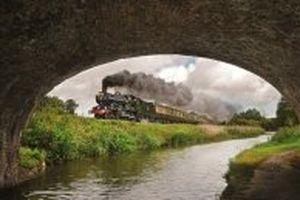 Những đoàn tàu chạy giữa thiên nhiên Anh quốc