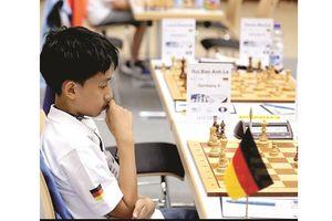 Đằng sau kỳ thủ cờ vua gốc Việt