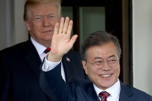 Tổng thống Hàn Quốc lên đường tới Mỹ, mang theo thông điệp của Chủ tịch Triều Tiên