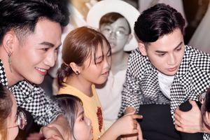 Ali Hoàng Dương hóa 'anh cả ấm áp' tổ chức 'họp mặt gia đình' ngay trên sân khấu The Voice Kids 2018