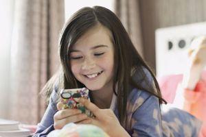 Nên cho trẻ sử dụng đồ công nghệ ở tuổi nào?