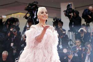 Ca sĩ nổi loạn Lady Gaga được khen hết lời khi đóng phim