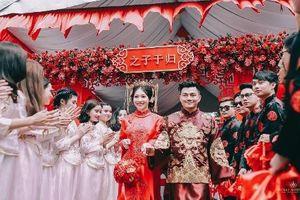 Bộ ảnh ăn hỏi chuẩn phong cách Trung Quốc của cặp đôi Việt Nam
