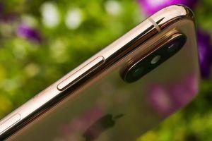 Cận cảnh iPhone XS gold được ưa chuộng nhất trong các mẫu vừa lên kệ