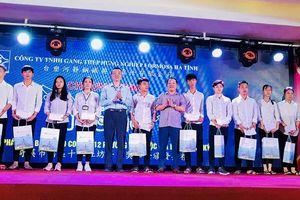Formosa Hà Tĩnh trao 400 suất học bổng 'Chắp cánh ước mơ' cho học sinh giỏi vượt khó Kỳ Anh