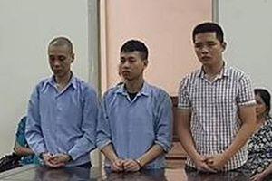 3 thanh niên tạt đầu xe, đánh tử vong người đàn ông lớn tuổi
