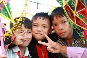 Quảng Ninh: Trung thu ấm ở xã nghèo Đại Dực