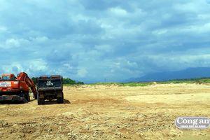 Cải tạo đất trồng màu hay lợi dụng đem cát đi bán?