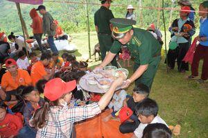 Những món quà Trung thu ý nghĩa của các đồn Biên phòng dành cho trẻ em nơi biên giới